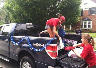 pickuptruck-unloading